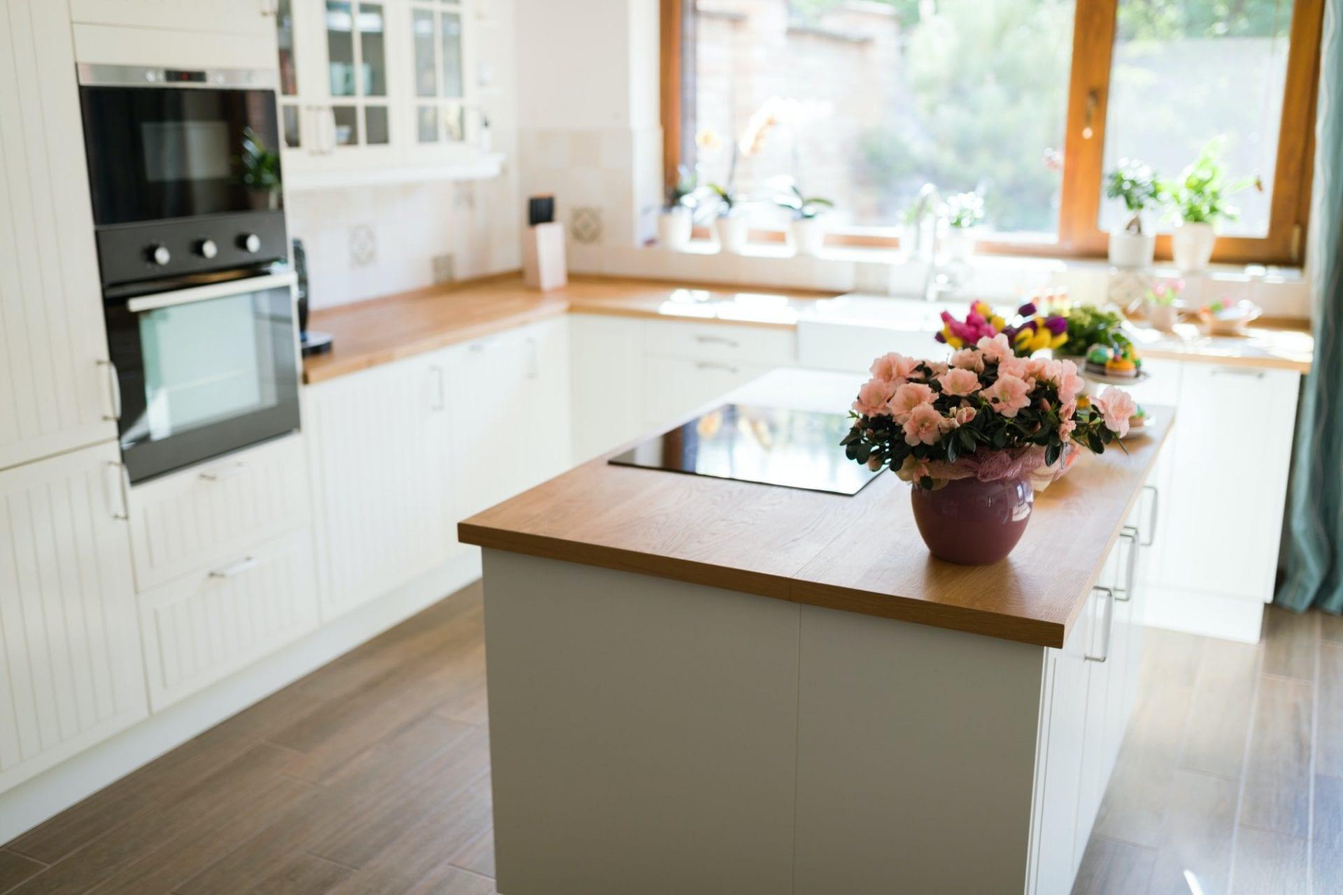 Modern kitchen with TopWood laminate worktop